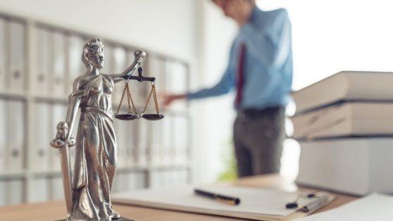 Uma imagem que ilustra um advogado
