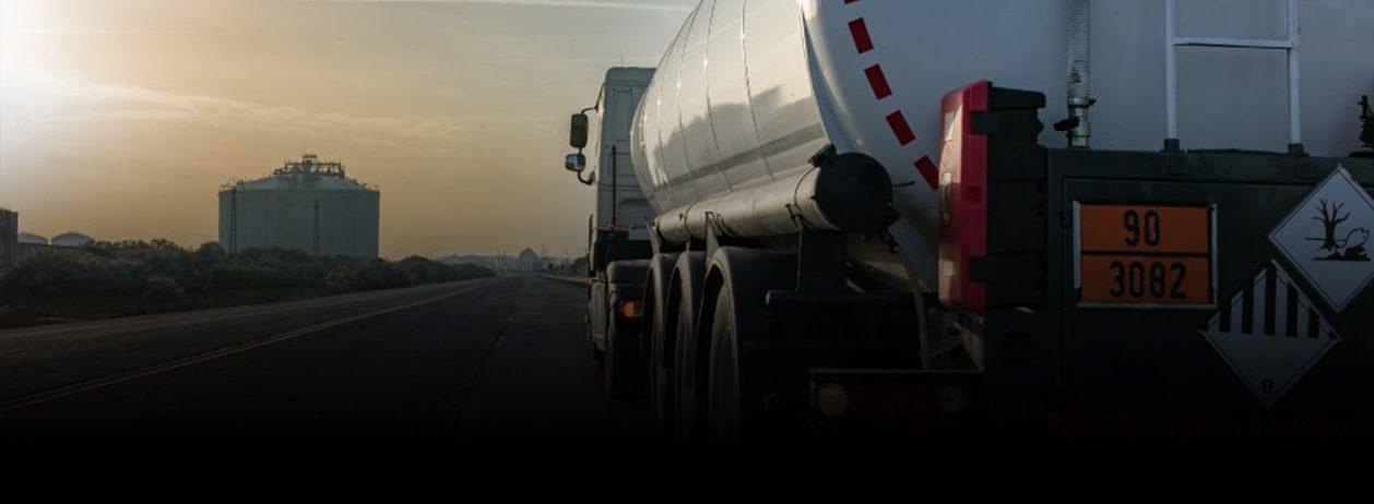 Quais são os riscos no transporte de cargas perigosas? Saiba como se prevenir